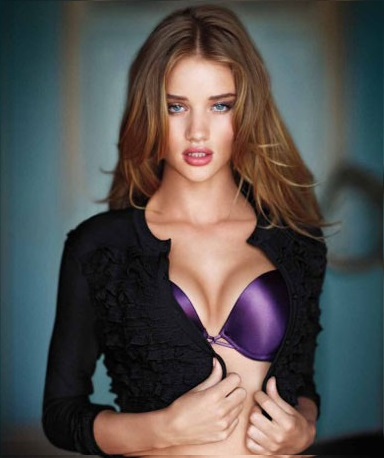 Rosie-Huntington-Whiteley